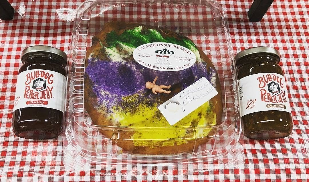 @calandrosmkt #kingcakes with @bulldogpepperjelly infused? #yesplease! . Repost from @bulldogpepperjelly: Customize your #kingcake with your…