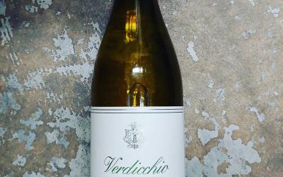 May 2020 #wineofthemonth Azienda Santa Barbara Verrdichio is a lean, crisp, spritzy white from the…