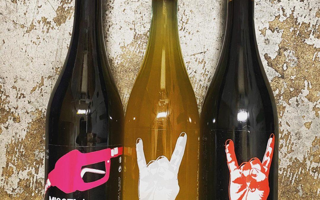 @lammidia now available at Perkins. Rock on! @zevrovineselections . . . #naturalwine #wine #italianwine #lammidia